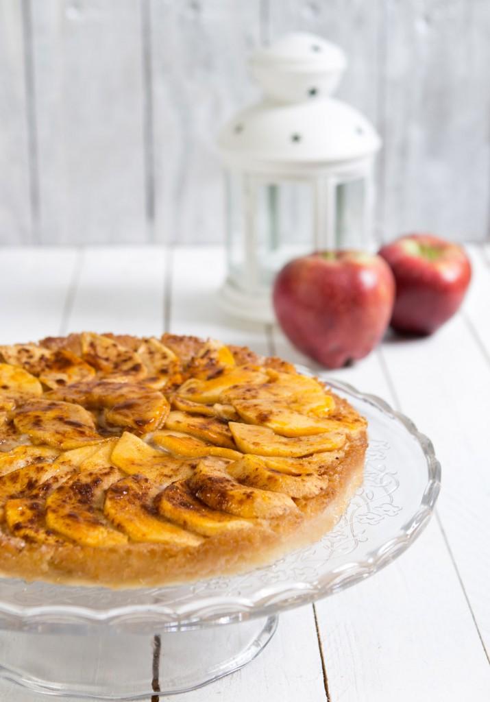 CUINA-7911-215-cake-apple-vintage